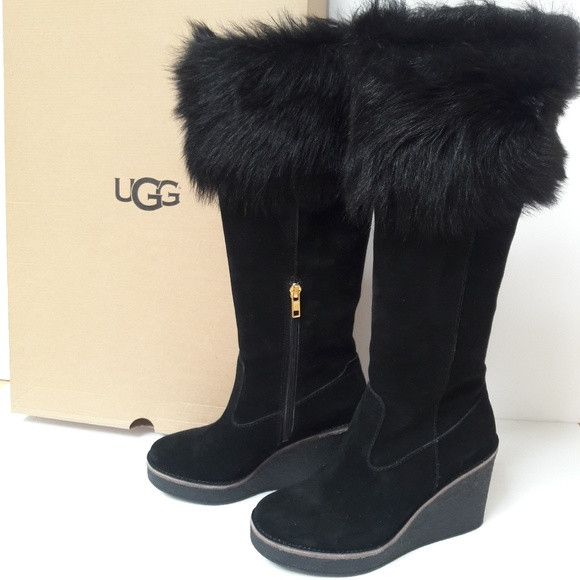 e55f2be46dc SALE!! UGG Toscana Sheepskin boots. size 6